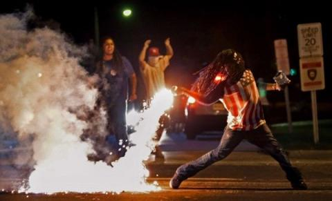 Protester in iconic Ferguson demonstration photo found dead | Fox News