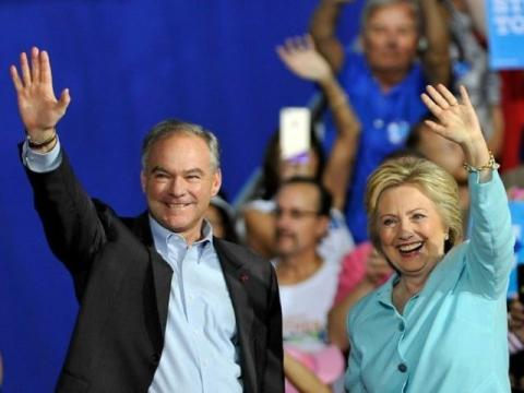 Tim Kaine Addresses Crowd in Spanish, Promises Amnesty Plan 'In the First 100 Days' in Office - Breitbart